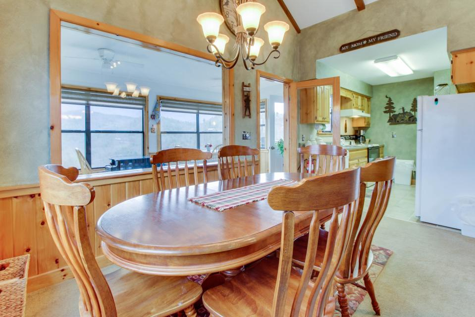 Cove Mountain Retreat - Sevierville Vacation Rental - Photo 9