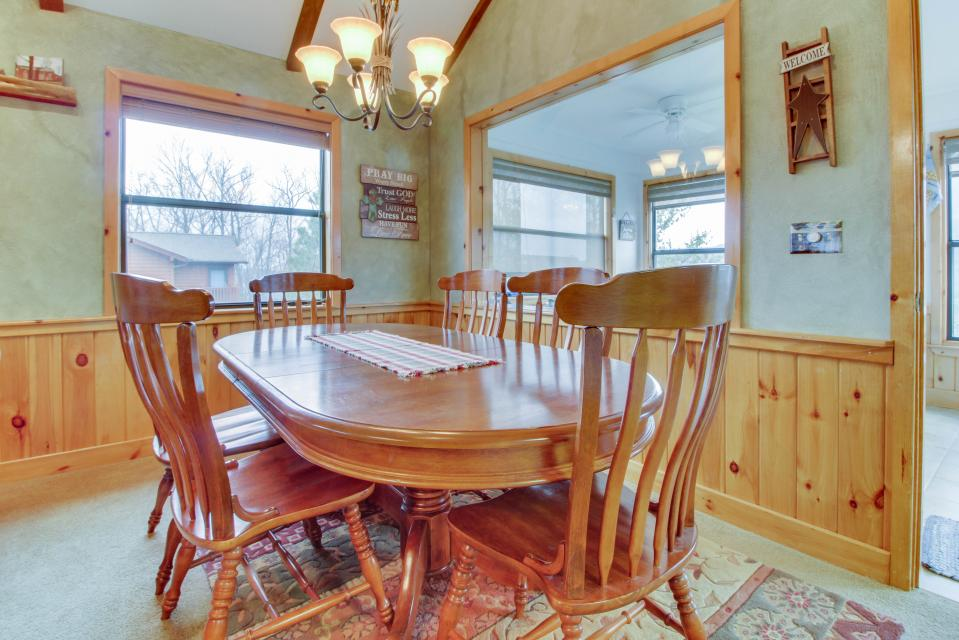 Cove Mountain Retreat - Sevierville Vacation Rental - Photo 6