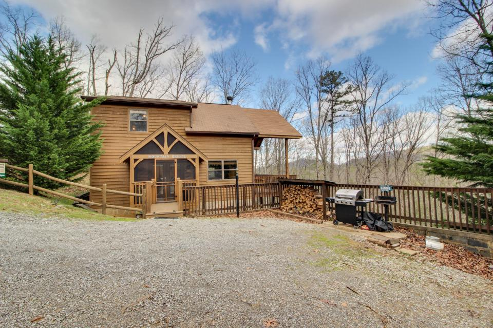 Mountain Breeze Cabin - Sevierville Vacation Rental - Photo 28