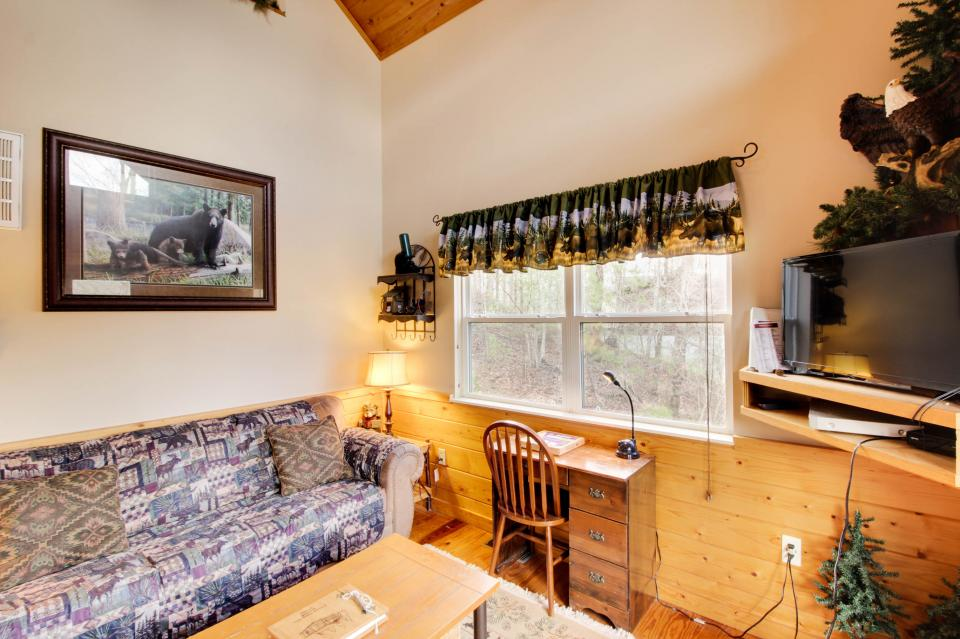 Mountain Breeze Cabin - Sevierville Vacation Rental - Photo 34