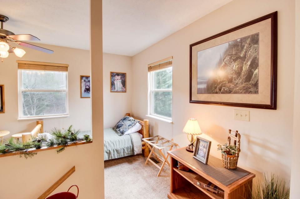 Mountain Breeze Cabin - Sevierville Vacation Rental - Photo 22