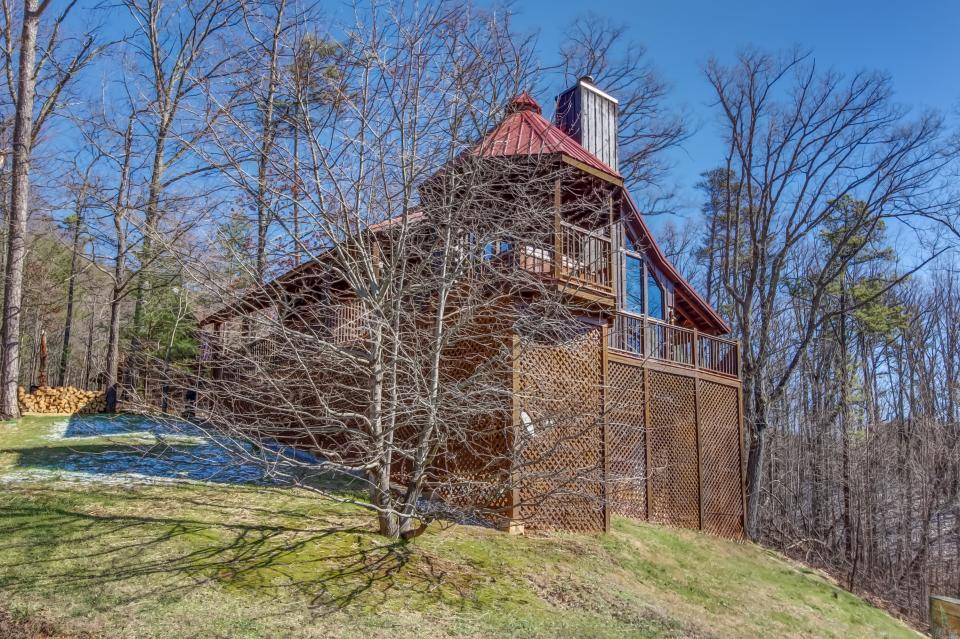 Beauty and the Beast Cabin - Sevierville Vacation Rental - Photo 26