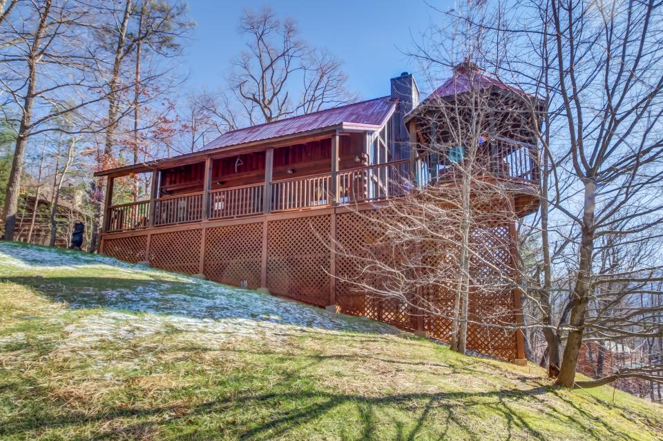 Beauty and the Beast Cabin - Sevierville Vacation Rental - Photo 25