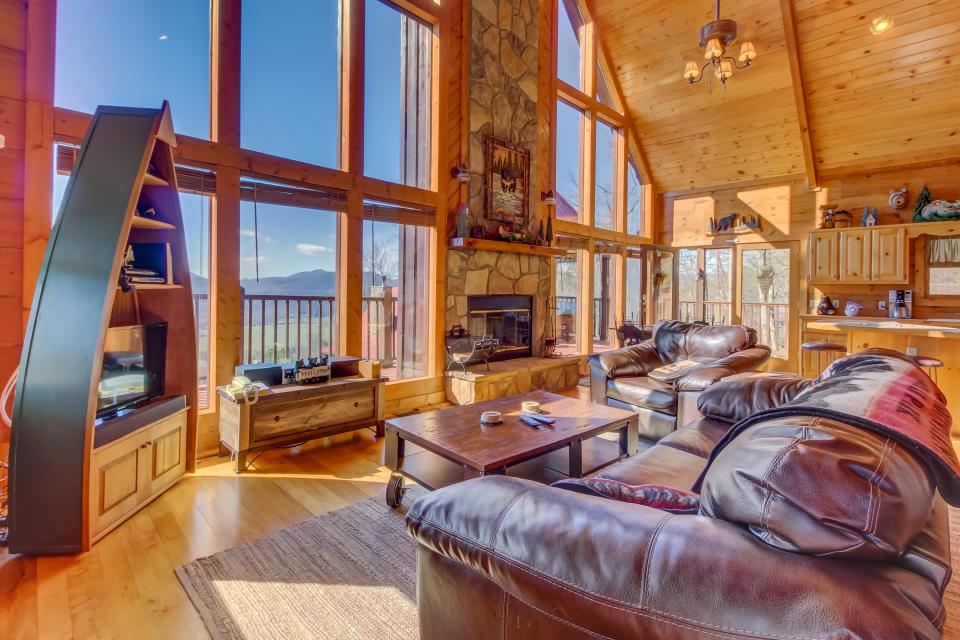 Beauty and the Beast Cabin - Sevierville - Take a Virtual Tour
