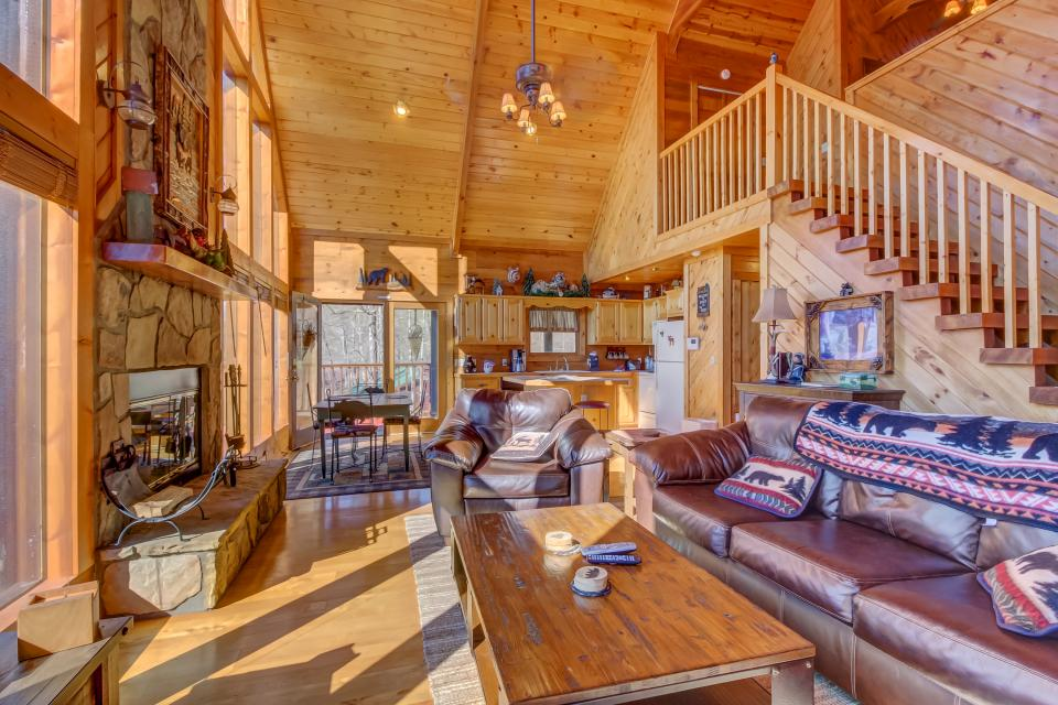 Beauty and the Beast Cabin - Sevierville Vacation Rental - Photo 6