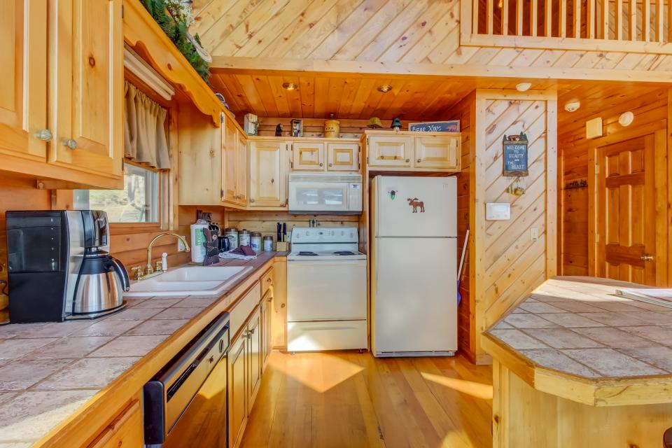 Beauty and the Beast Cabin - Sevierville Vacation Rental - Photo 33