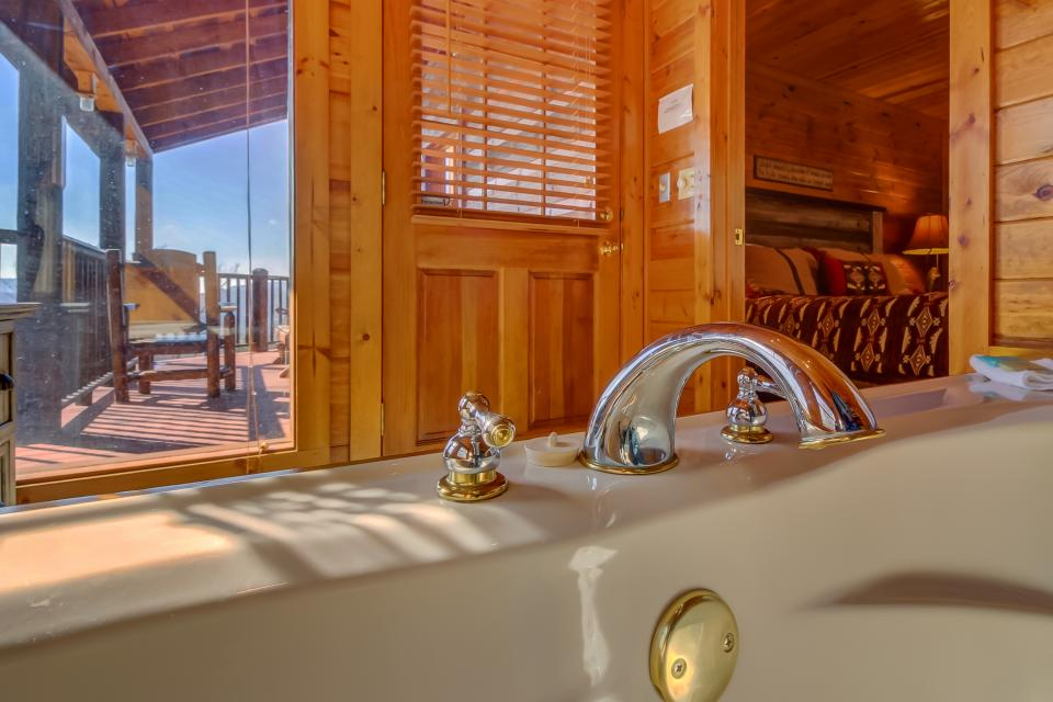 Beauty and the Beast Cabin - Sevierville Vacation Rental - Photo 35