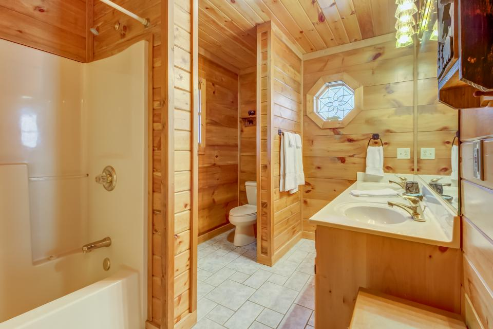 Beauty and the Beast Cabin - Sevierville Vacation Rental - Photo 15