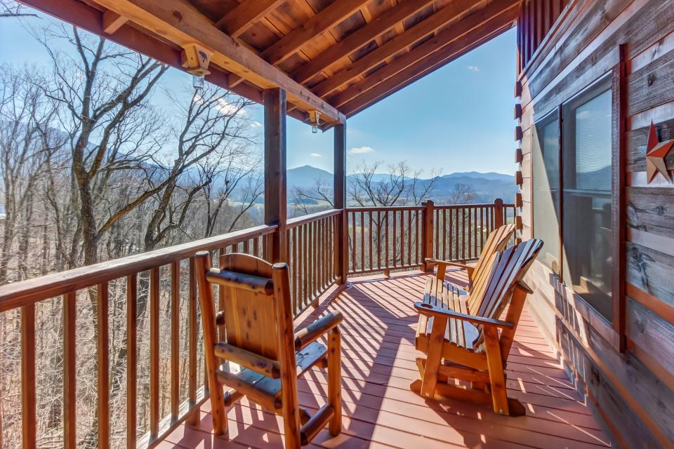 Beauty and the Beast Cabin - Sevierville Vacation Rental - Photo 22
