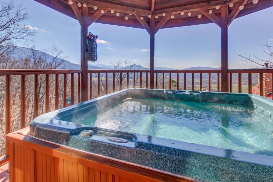 Beauty and the Beast Cabin - Sevierville Vacation Rental - Photo 29