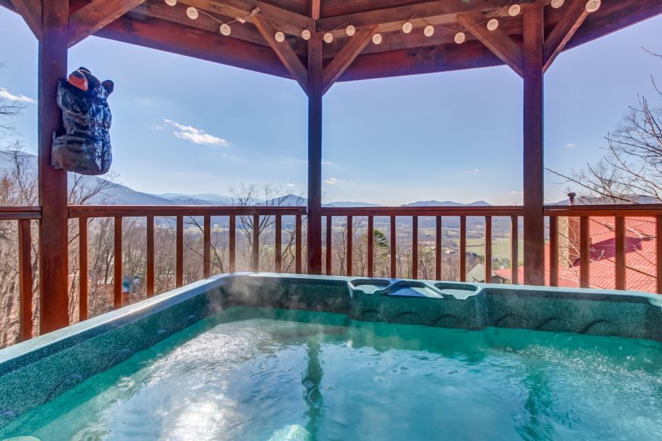 Beauty and the Beast Cabin - Sevierville Vacation Rental - Photo 28
