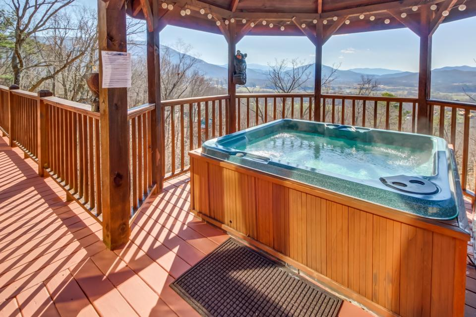 Beauty and the Beast Cabin - Sevierville Vacation Rental - Photo 4