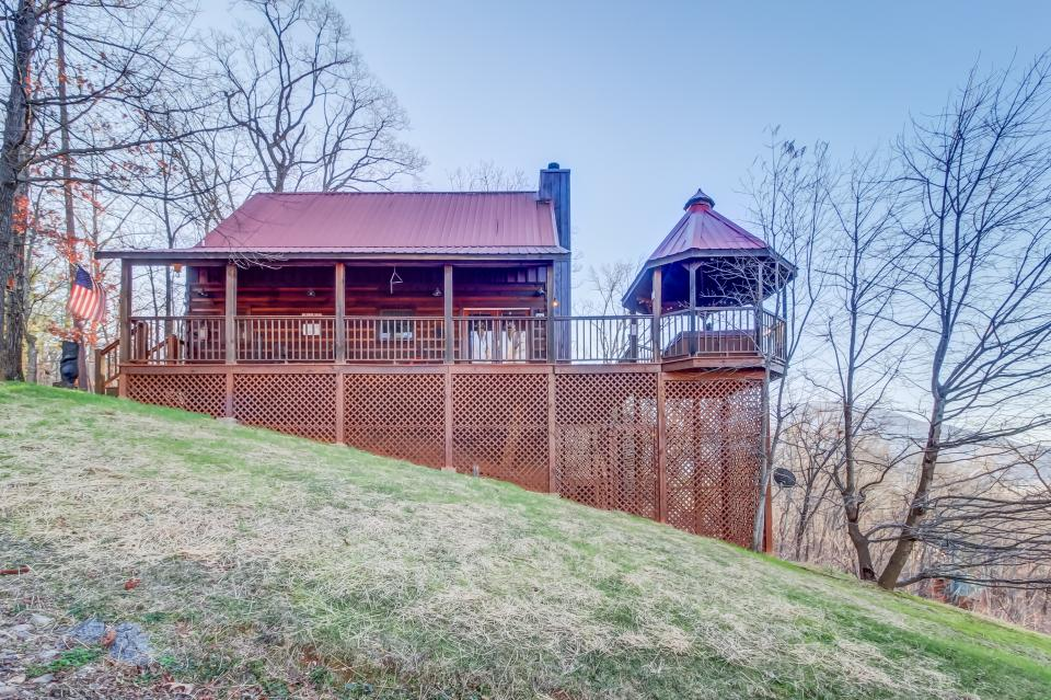 Beauty and the Beast Cabin - Sevierville Vacation Rental - Photo 31