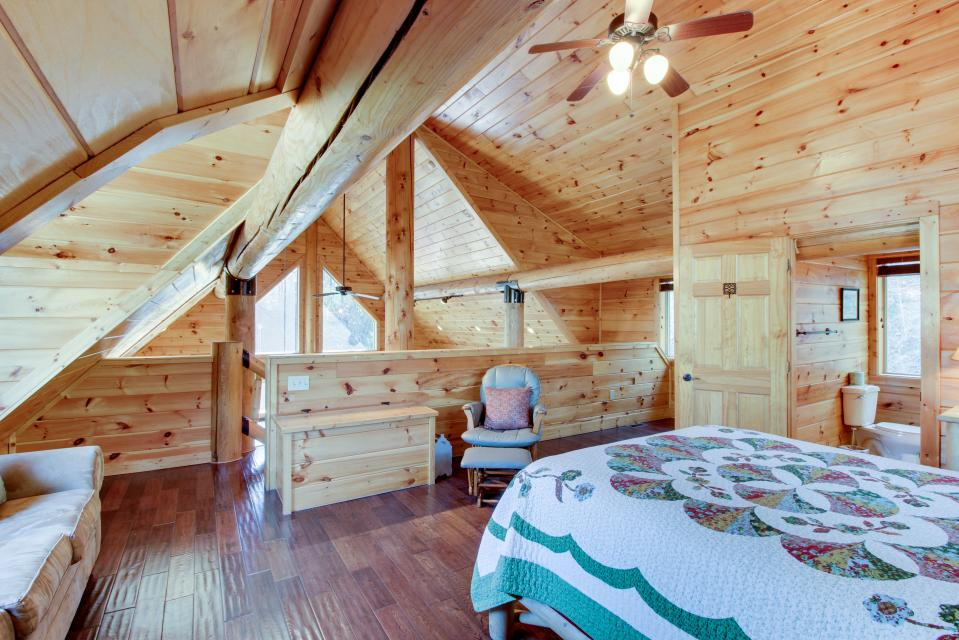 Moose Lodge - Sevierville Vacation Rental - Photo 28