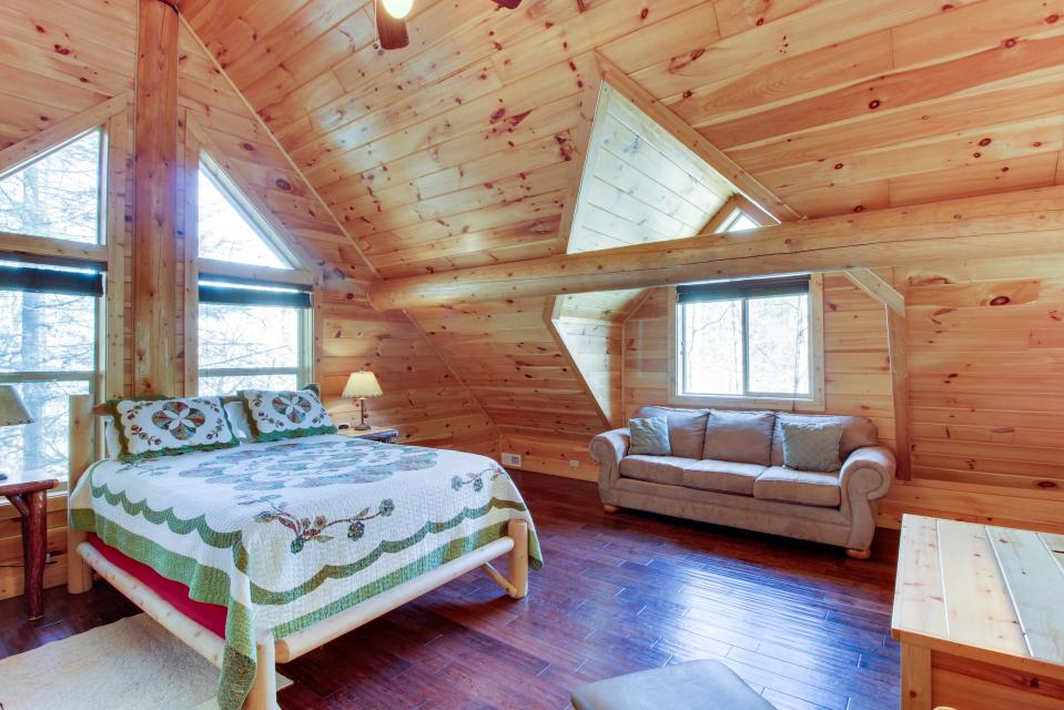 Moose Lodge - Sevierville Vacation Rental - Photo 25