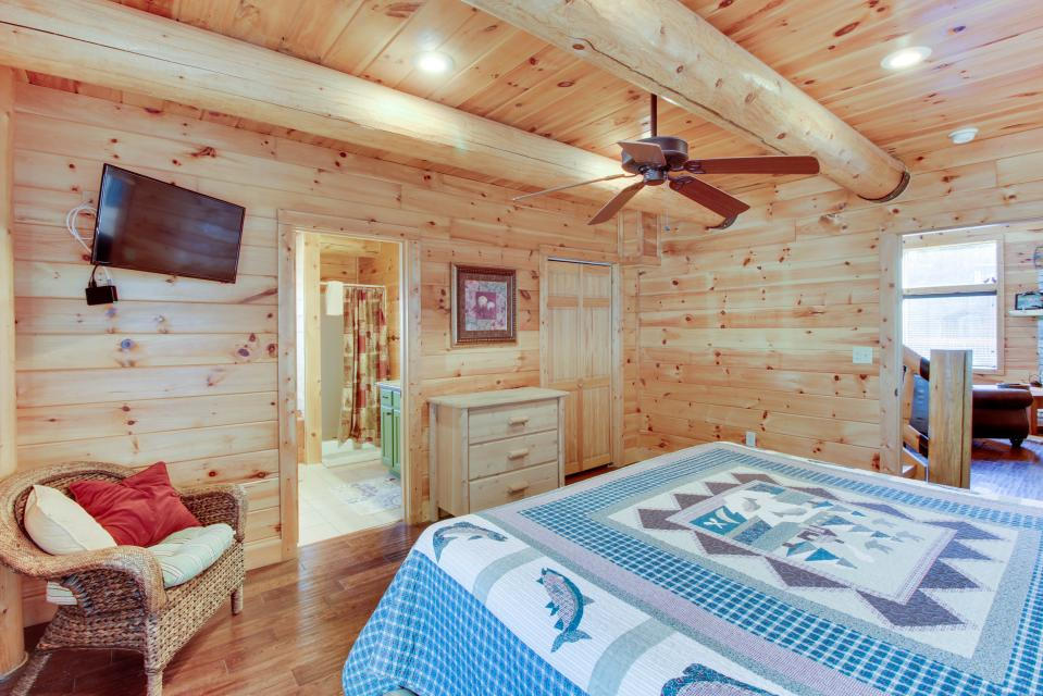 Moose Lodge - Sevierville Vacation Rental - Photo 21