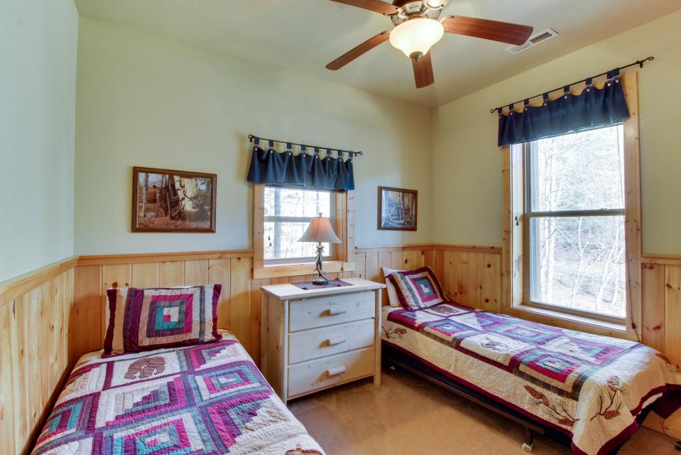 Moose Lodge - Sevierville Vacation Rental - Photo 16