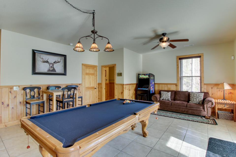 Moose Lodge - Sevierville Vacation Rental - Photo 13