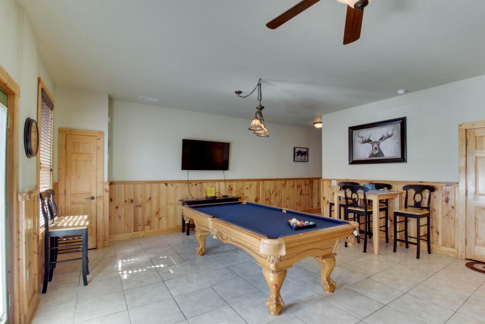 Moose Lodge - Sevierville Vacation Rental - Photo 12