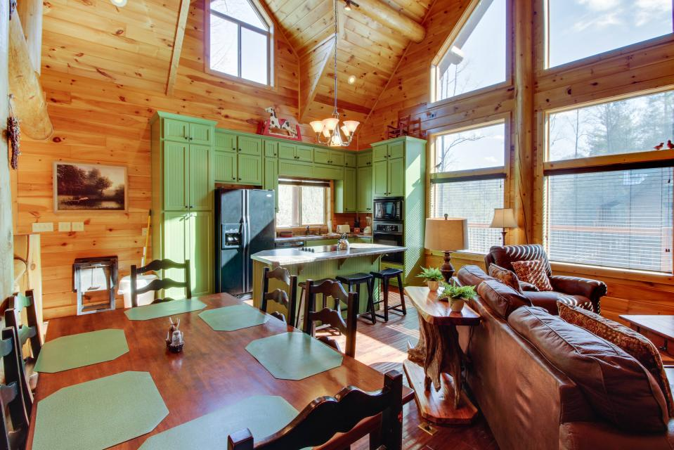 Moose Lodge - Sevierville Vacation Rental - Photo 10