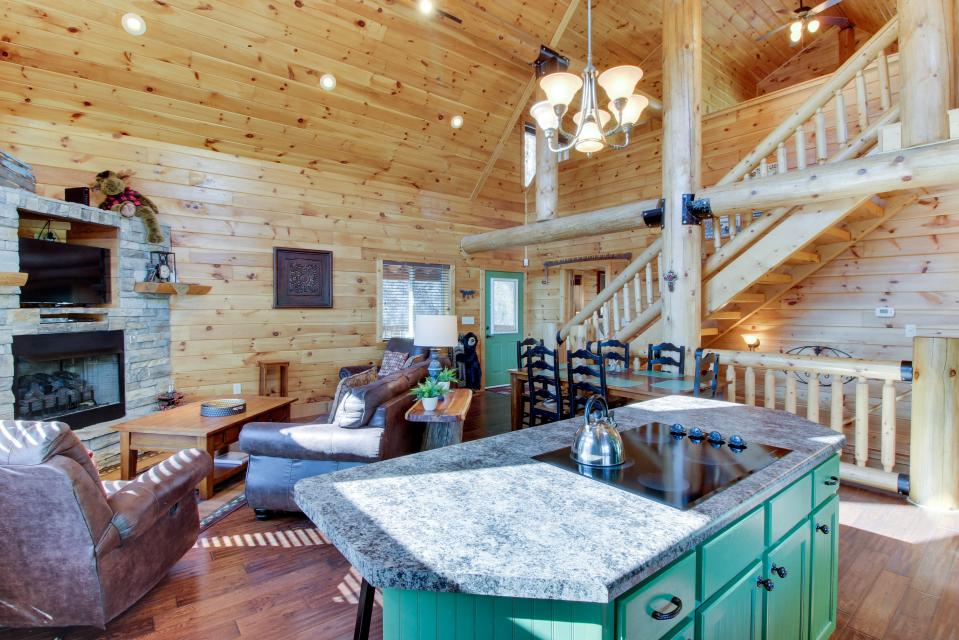 Moose Lodge - Sevierville Vacation Rental - Photo 8