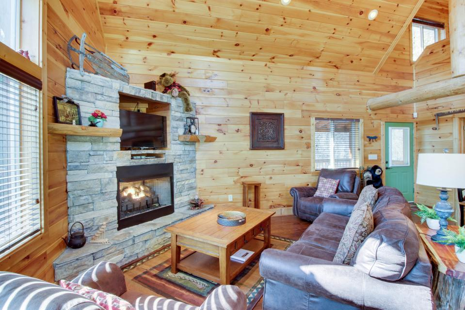 Moose Lodge - Sevierville Vacation Rental - Photo 7