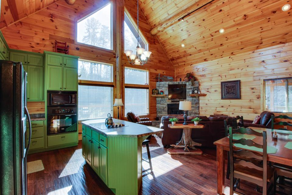 Moose Lodge - Sevierville Vacation Rental - Photo 6