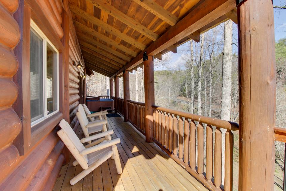 Moose Lodge - Sevierville Vacation Rental - Photo 4