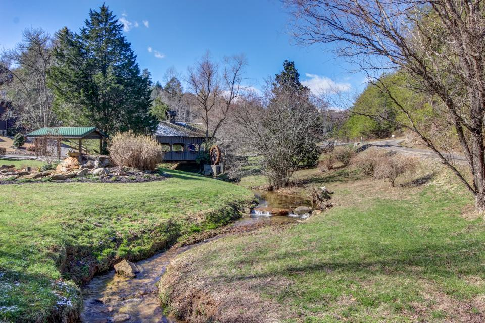 Serenity's View Cabin - Sevierville Vacation Rental - Photo 43