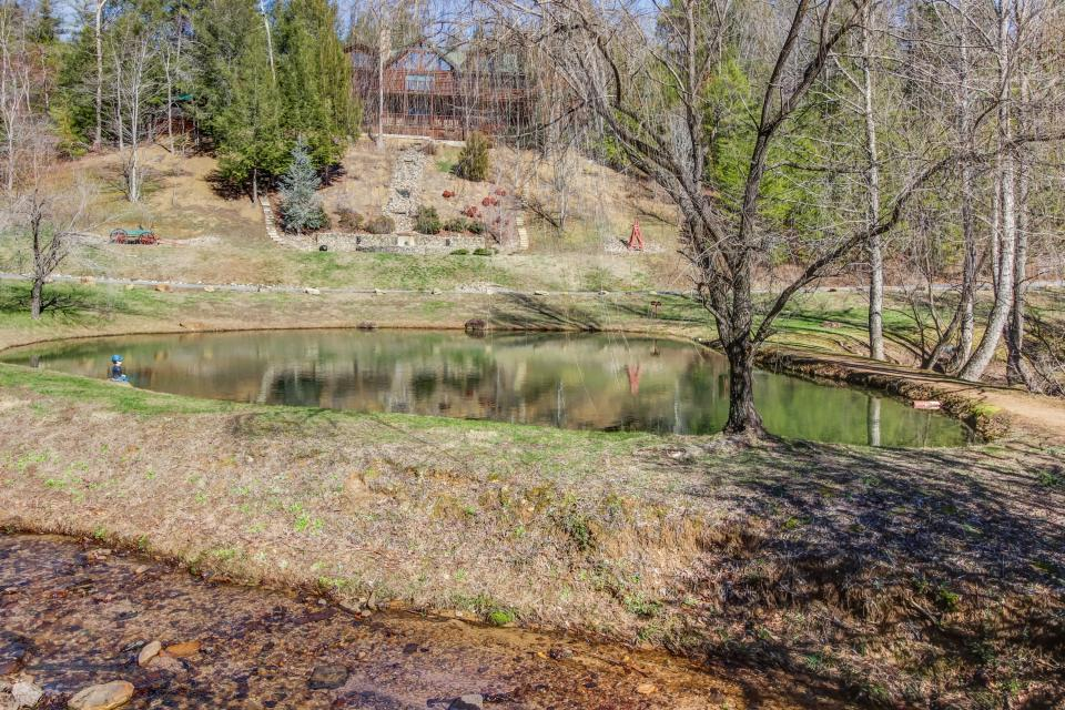 Serenity's View Cabin - Sevierville Vacation Rental - Photo 44