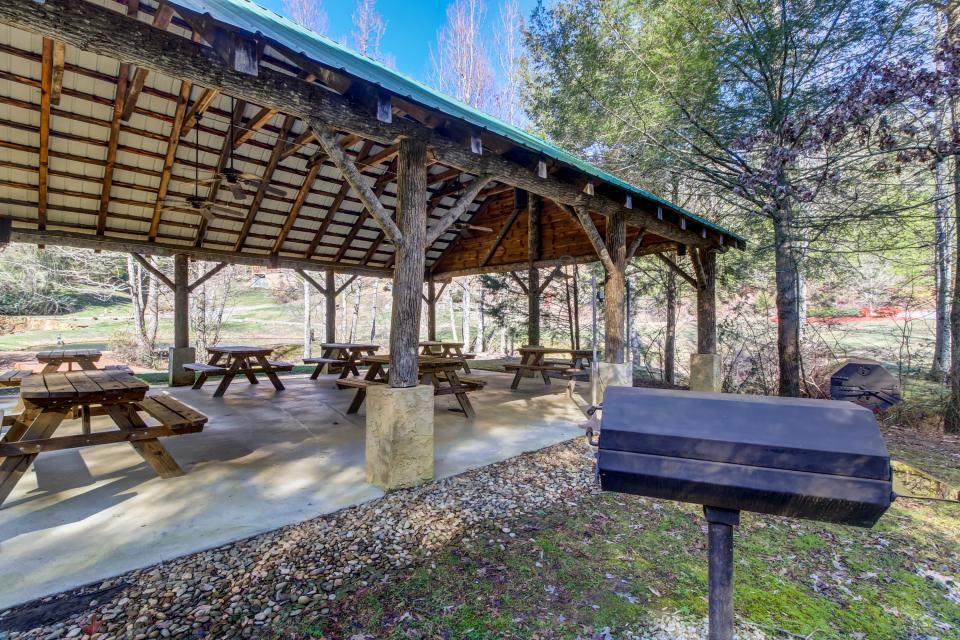 Serenity's View Cabin - Sevierville Vacation Rental - Photo 46