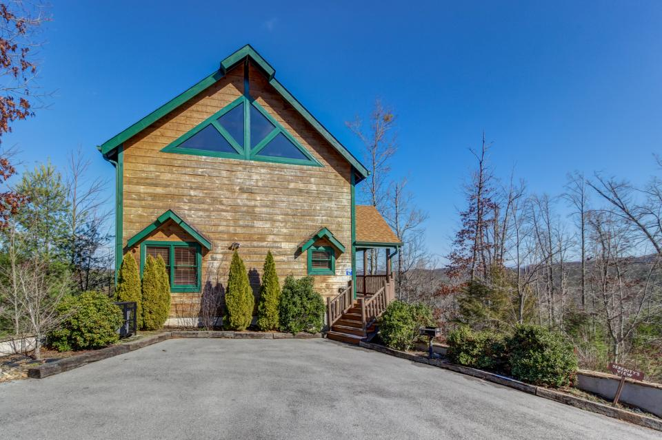 Serenity's View Cabin - Sevierville Vacation Rental - Photo 41