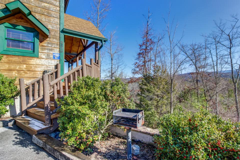 Serenity's View Cabin - Sevierville Vacation Rental - Photo 40