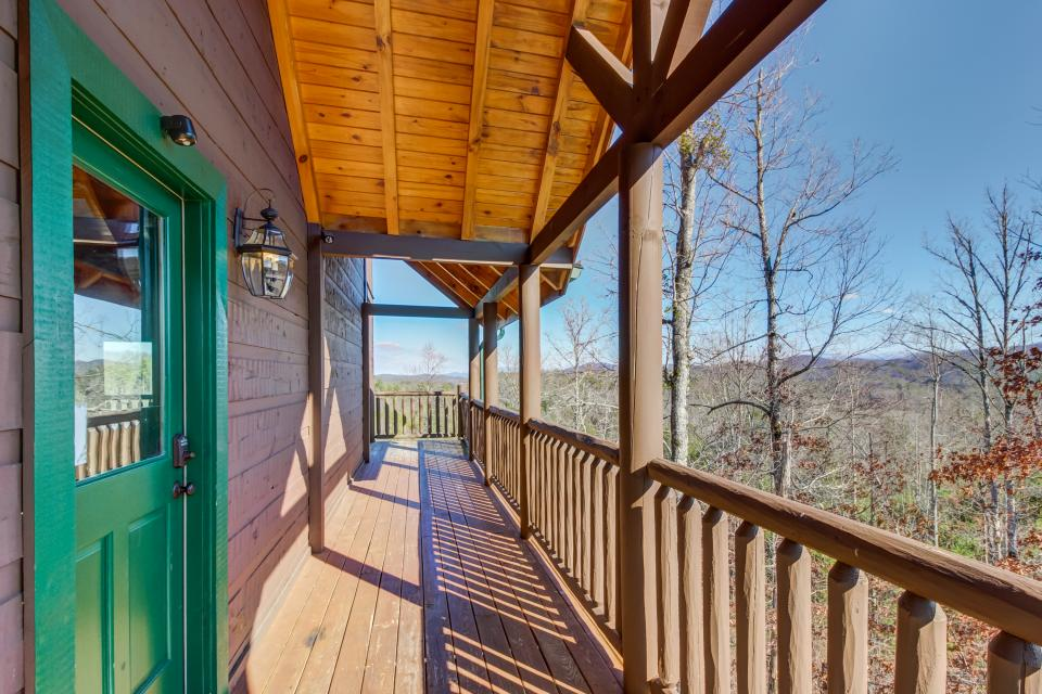 Serenity's View Cabin - Sevierville Vacation Rental - Photo 39
