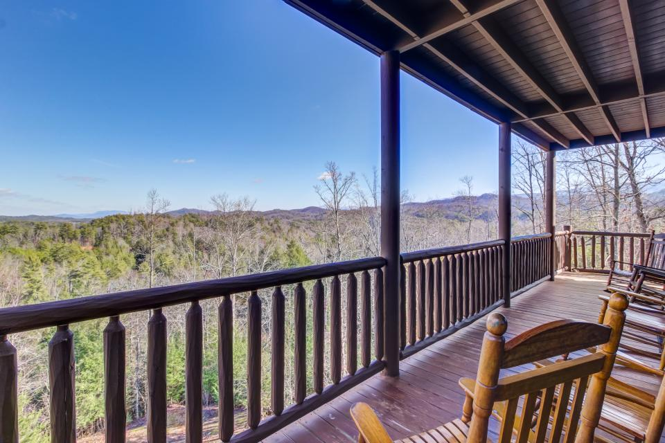 Serenity's View Cabin - Sevierville Vacation Rental - Photo 37
