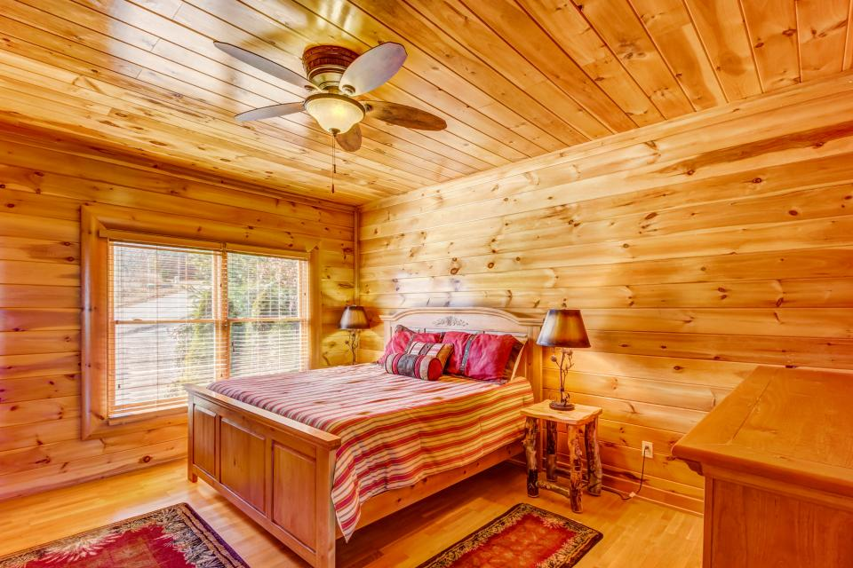 Serenity's View Cabin - Sevierville Vacation Rental - Photo 9