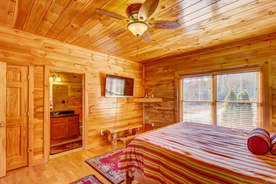 Serenity's View Cabin - Sevierville Vacation Rental - Photo 10