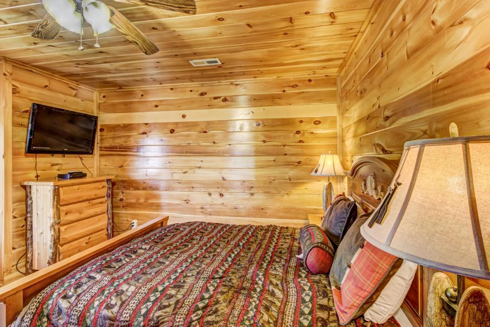 Serenity's View Cabin - Sevierville Vacation Rental - Photo 21