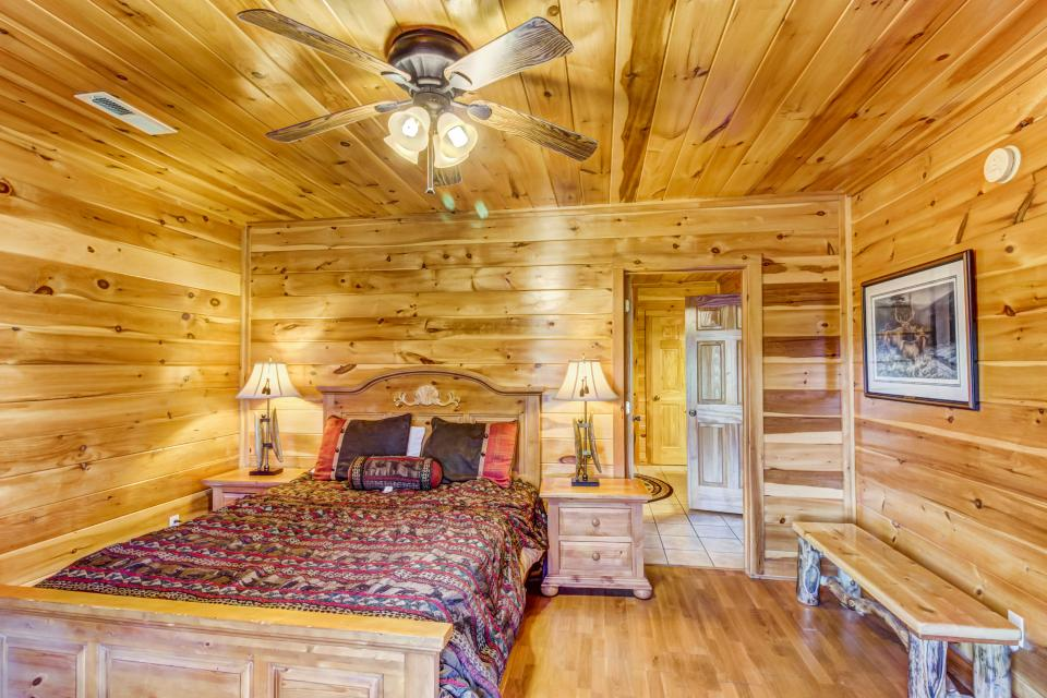 Serenity's View Cabin - Sevierville Vacation Rental - Photo 20