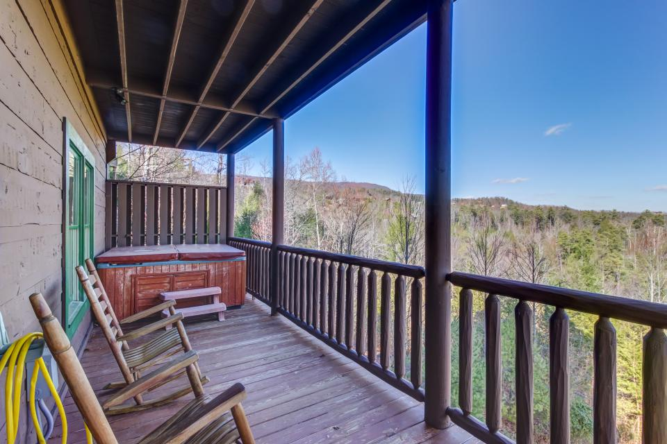 Serenity's View Cabin - Sevierville Vacation Rental - Photo 32