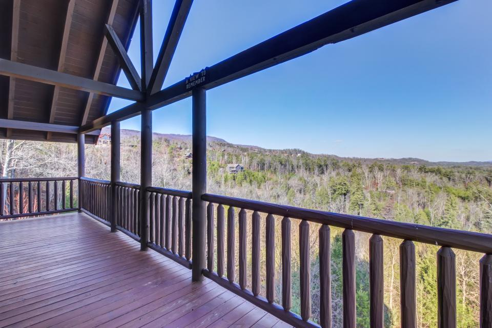 Serenity's View Cabin - Sevierville Vacation Rental - Photo 36