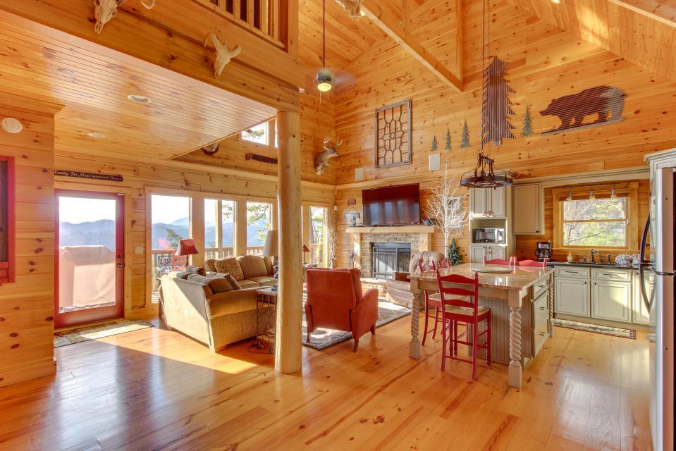 Til's Den - Sevierville Vacation Rental - Photo 3