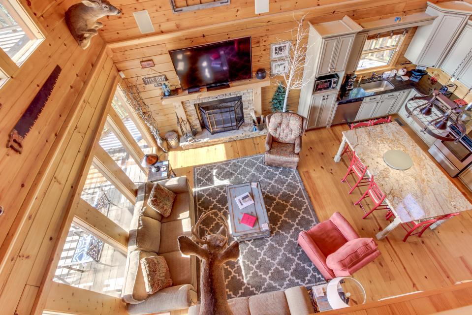 Til's Den - Sevierville Vacation Rental - Photo 26