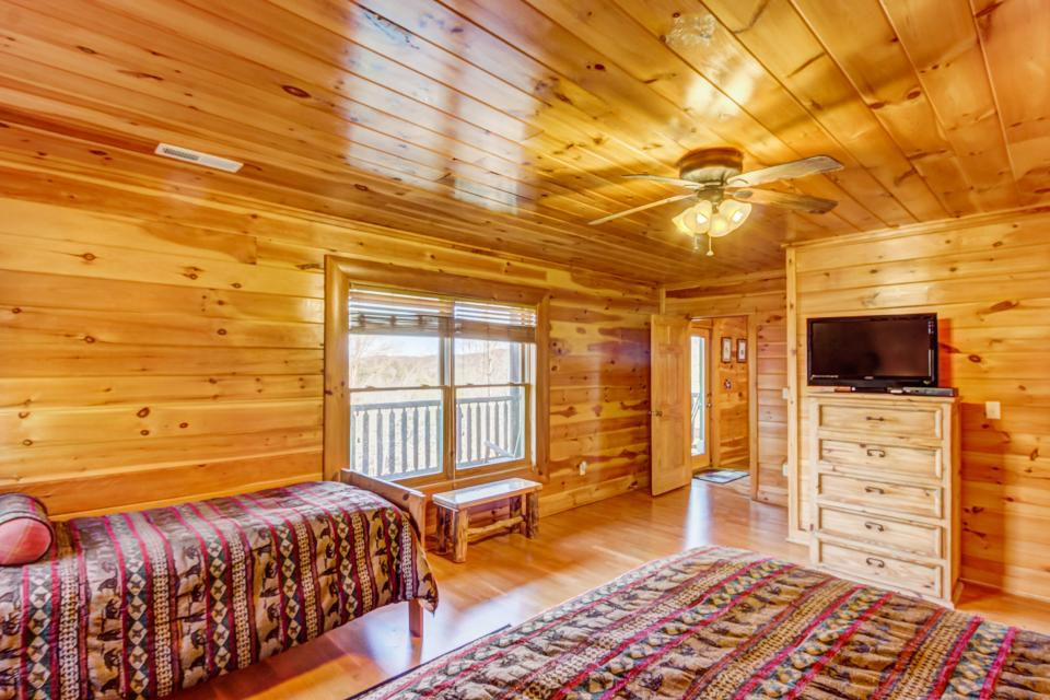 Serenity's View Cabin - Sevierville Vacation Rental - Photo 14