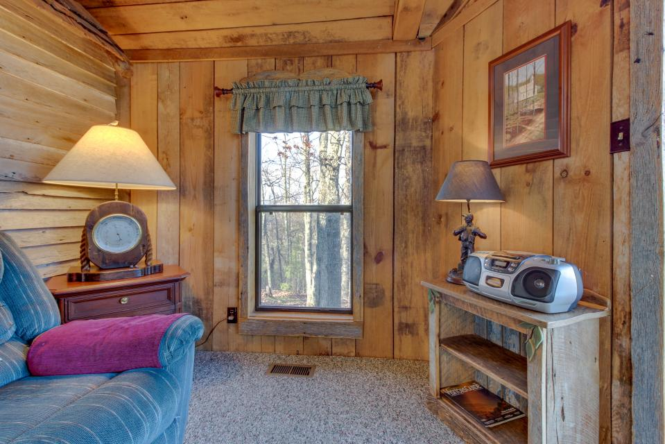 Mockingbird's View  - Sevierville Vacation Rental - Photo 10