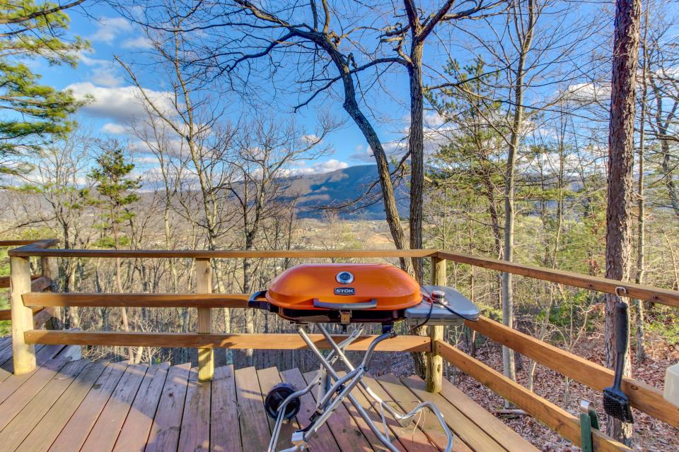 Mockingbird's View  - Sevierville Vacation Rental - Photo 28