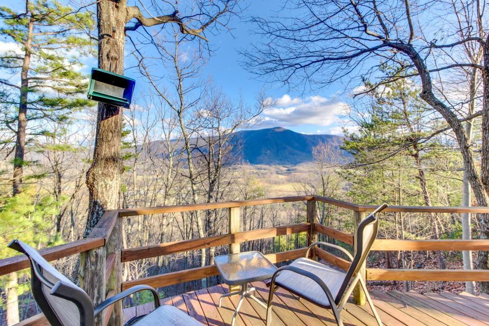 Mockingbird's View  - Sevierville Vacation Rental - Photo 6