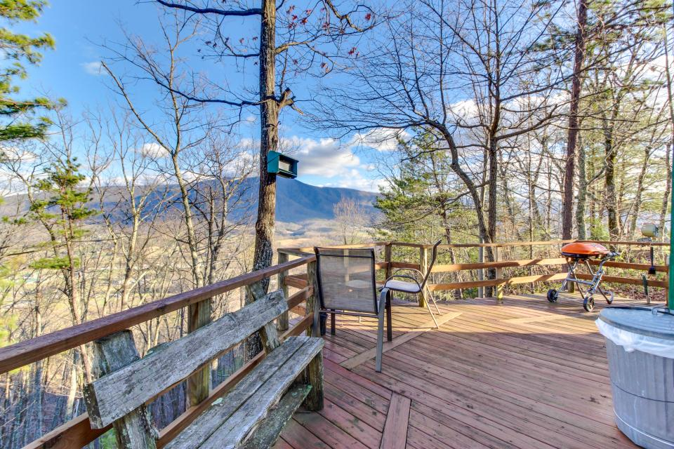 Mockingbird's View  - Sevierville Vacation Rental - Photo 29