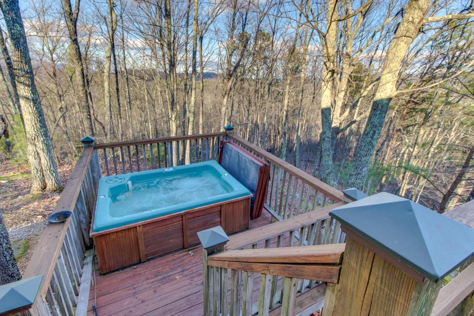 Mockingbird's View  - Sevierville Vacation Rental - Photo 32