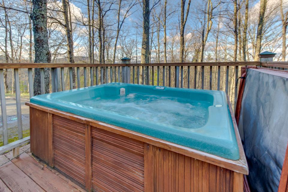 Mockingbird's View  - Sevierville Vacation Rental - Photo 2